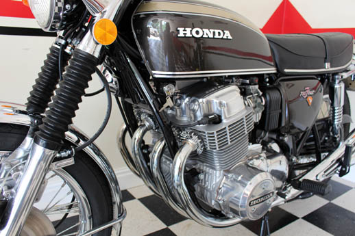brown 1972 Honda 750